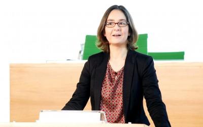 Claudia Maicher am Rednerpult des Landtagsplenums (Foto: Juliane Mostertz, FOTOGRAFISCH)