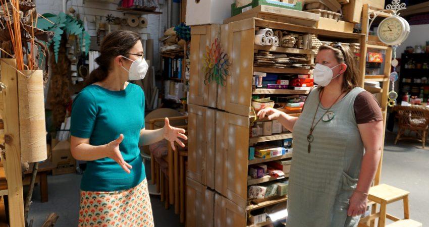 Claudia Maicher auf Nachbarschaftstour beim Upcycling-Projekt Restlos im Leipziger Westen 9