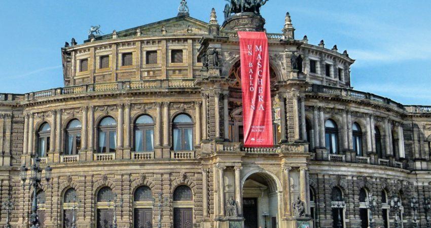 Außenansicht Semperoper Dresden © David Mark   pixabay