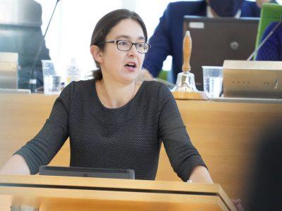 Claudia Maicher während Rede im Plenum des Sächsischen Landtags